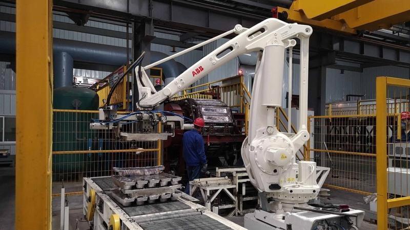 مرکز بازیافت باتری در چین به کمک ربات و بدون دخالت انسان برای حفظ سلامت کارگران